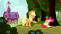 Applejack reprimanding Apple Bloom S8E12