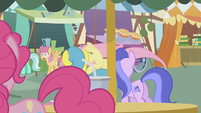 Lyra Heartstrings, Orange Swirl, Lemon Hearts, and Sea Swirl watch S1E05