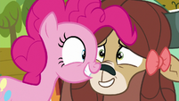 Pinkie Pie and Yona nose-to-nose S9E7
