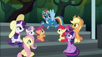 Rainbow Dash being dodgy S6E7