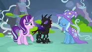 S07E17 Starlight i Trixie nawiązują nic porozumienia z Pharynxem