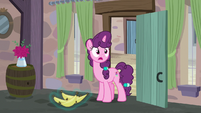 Sugar Belle drops her bananas shocked S7E8