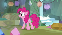 Pinkie Pie arrives at Maud's house S8E3