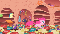 """Pinkie Pie demonstrating """"Some are fast!"""" S1E16"""