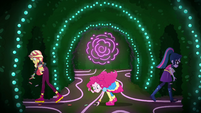 Pinkie picks up candies as Sunset and Twi leave them EGSBP