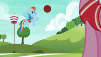 Rainbow lightly throws the ball to Pinkie S6E18