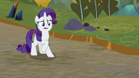 Rarity creeped out by Sombrafied ponies S9E2