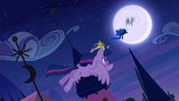 Twilight following Nightmare Moon S4E02