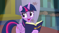 "Twilight singing ""teach with books"" S8E2"