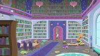 Cozy Glow entering the school library S8E25