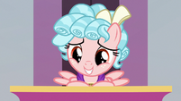 Cozy Glow smiling at the students S8E25