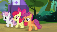 Cutie Mark Crusaders walking back to camp S7E21