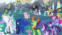 Fluttershy worried about hosting so many ponies S6E26
