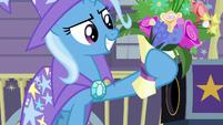 Trixie produces a bouquet of flowers S7E24