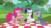 Pinkie Pie --the most thoughtful gift-giver in the world-- S6E3