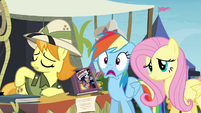 Rainbow Dash's mouth hangs open S4E22