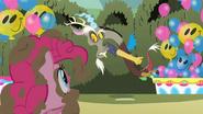 S02E01 Discord okłamuje Pinkie