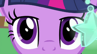 Twilight Sparkle's eyes start to droop MLPS4