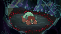 Yona completely surrounded by spiders S8E22