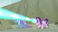 S07E17 Starlight strzela promieniem magii w maulwurfa