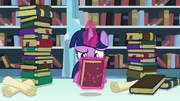 Twilight levitates Mystic Maps and Mazes S6E2.png