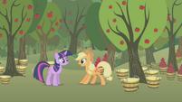 Applejack surprised by Twilight S1E04
