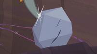 Pinkie's pickax strikes the rock S5E20