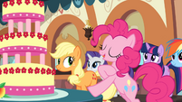 Pinkie 'The tastiest treat of all' S2E24