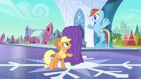 Rainbow Dash notices something S3E2