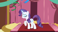 Rarity rejecting the green ribbon S1E01