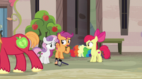 """Scootaloo """"possible to have two crushes at once"""" S7E8"""