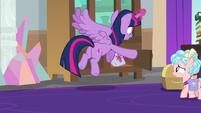Twilight fetching her saddlebags S8E25
