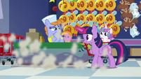 Twilight screeches to a halt by the salespony S7E3