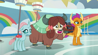 Yona wants to join the cheer squad S9E15