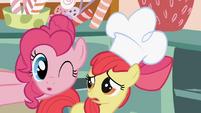 Pinkie Pie winks S1E12