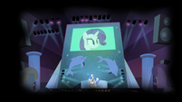 Sapphire and ponies ridiculing Rarity S4E19