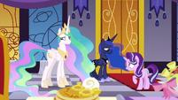 Starlight helps Celestia and Luna communicate S7E10