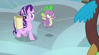 Starlight holding Twilight's instructions S8E15