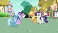 "Applejack Changeling ""Pinkie Pie always acts strange"" S6E25"
