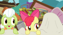 Granny Smith and Apple Bloom emerges from the sheet S4E09