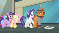 Pony with Grumpy Cat cutie mark looking angrily at Rarity S4E08