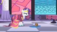 Rarity annoyed at Prince Blueblood S1E26