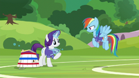 Rarity stretching her jersey collar S8E17
