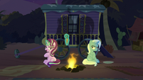 Starlight passive-aggressively refuses carrot S8E19