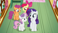 Sweetie Belle agrees to spend time with Rarity S7E6