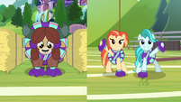 Yona and cheer ponies dancing in sync S9E15