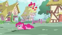 Pinkie Pie Walk 3 S2E6