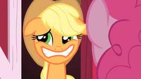 S01E25 Applejack udaje przed Pinkie