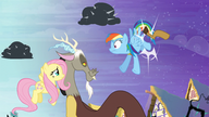 S04E01 Rainbow Dash i jej bliskie spotkanie z kopytem Discorda