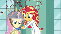 Sunset putting collander on Fluttershy's head EG3